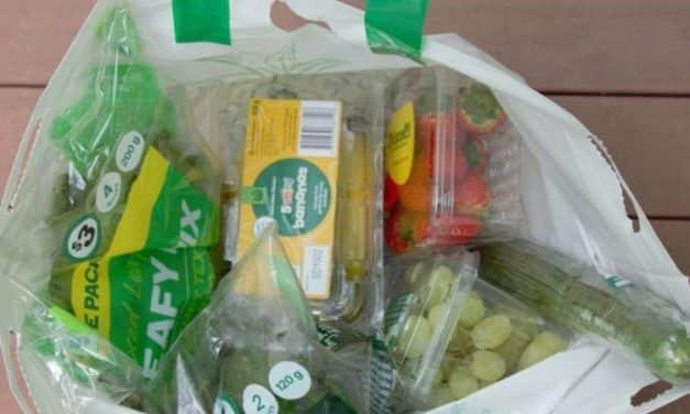 Spanyolországban 2023-tól betilthatják a zöldségek és gyümölcsök műanyag csomagolását